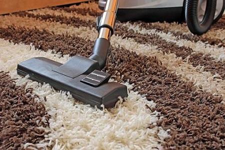 Giặt thảm len cần dùng dung dịch trung hoà và làm khô nhanh