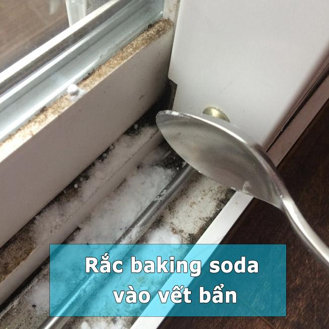 làm sạch khe cửa sổ b1